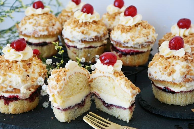 Frankfurter Kranz Cupcakes aufgeschnitten