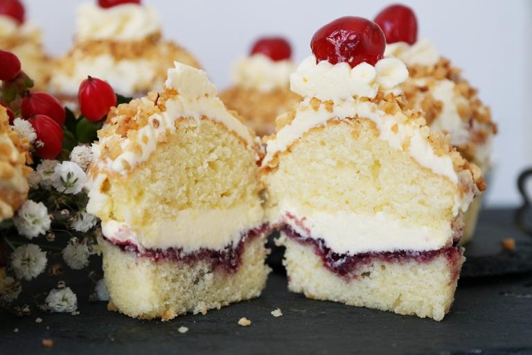 Augeschnittener Frankfurter Kranz Cupcake