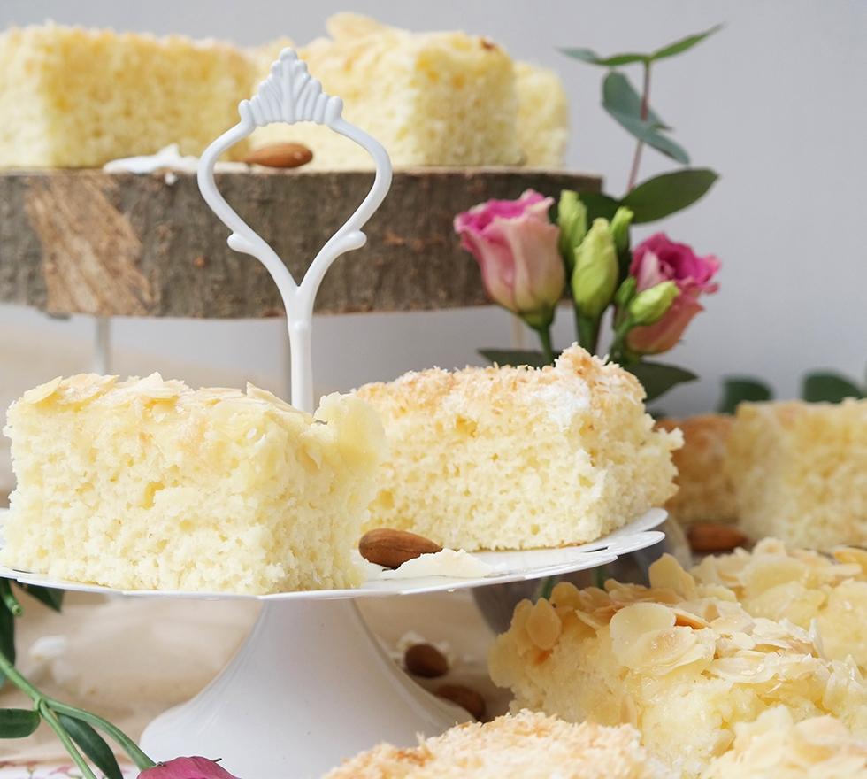 Buttermilchkuchen auf Etagere